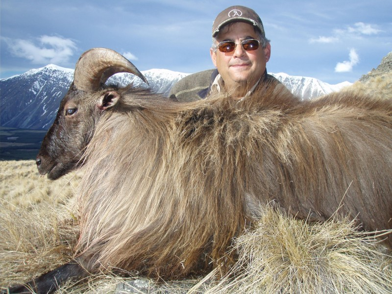Steve Humphries with his 14 inch Himalayan Bull Yahr
